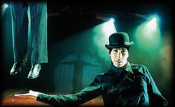 Das Magier Duo präsentiert Ihnen exzellente Entfesselungs Stunts zu Ihrem Event