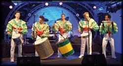 Karibische Musiker von Foeldessy Entertainment rappen auf deutsch, türkisch, spanisch, english und vermitteln kulturelle Vielfalt