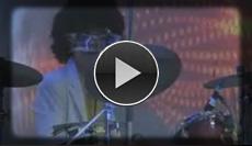 Cover Live Band heizt den Saal mit Titeln von Abba bis Zappa