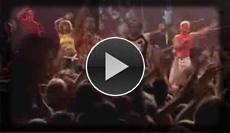 fetzige Live Band für die Party bringt Stimmung ins Publikum