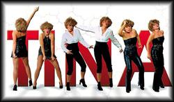 Tina Turner Performerin und Sängerin mit Tänzerinnen