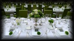 Eine geschmackvolle Dekoration schafft das richtige Ambiente für Ihren Event