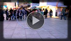 tolle Nummer auf dem Alexanderplatz von einem Mädchen mit dem Cy Rad