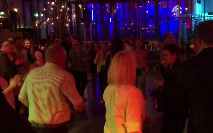 Saxophon and Drummshow im Brewdog berlin