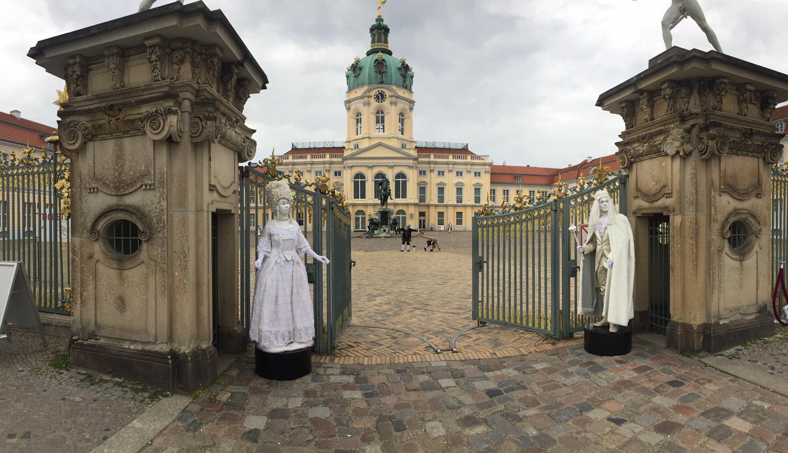 Living Dolls and LED Castle Charlottenburg