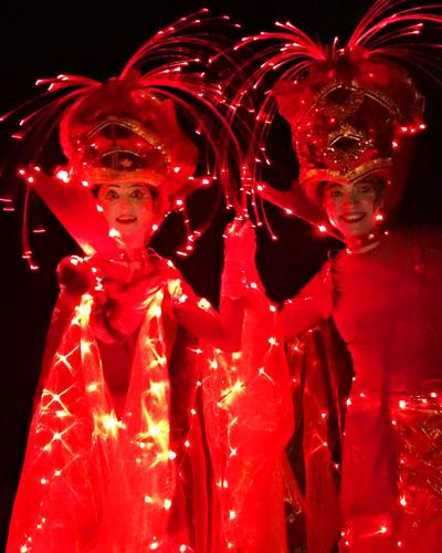 RED-Light-Light-Stilts-berlin-red