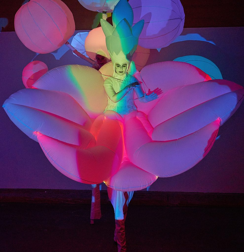Stilts-with-light-flower