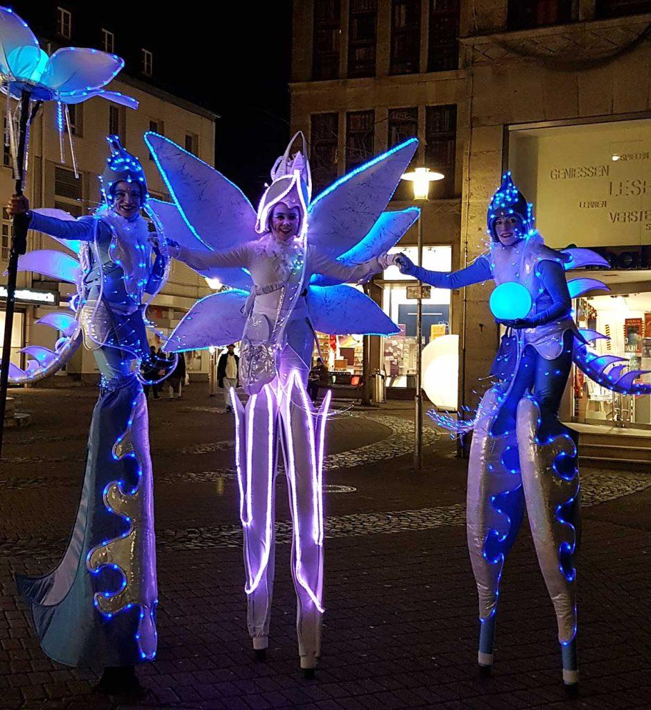 LED-light-stilts