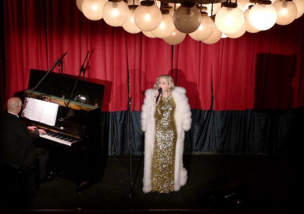 Marlene-dietrich-singer