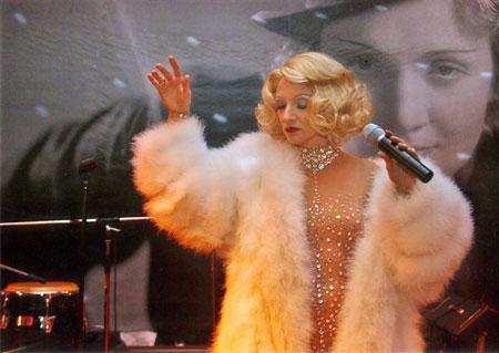 Marlene-dietrich-performance-Show